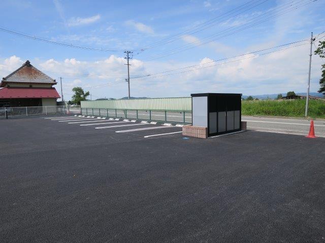 登米市中田町石森 アパート駐車場舗装工事